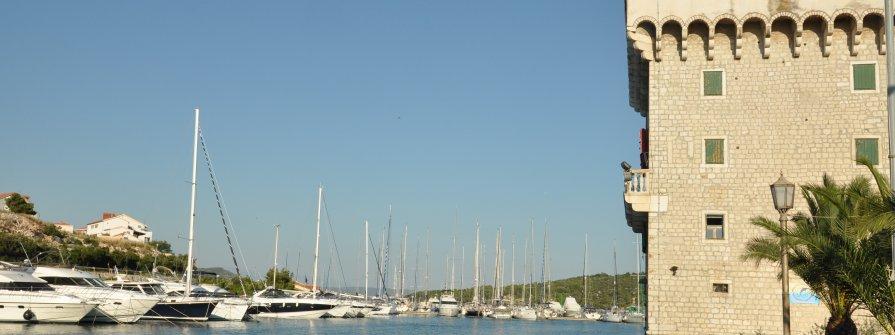 Hafengebühren und sonstige Abgaben
