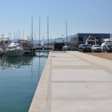 Uferpromenade in der Marina Kastela