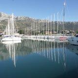 Charterflotte in der Marina Kastela