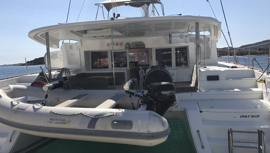 "Lagoon 450 in Portisco ""Only Blue"""