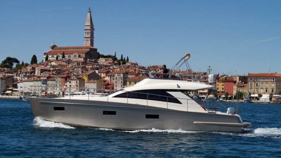 Cyrus 13.8 Flybridge in Pula