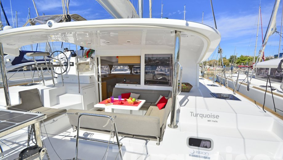"""Lagoon 400 s2 in Lavrion """"Turquoise"""""""