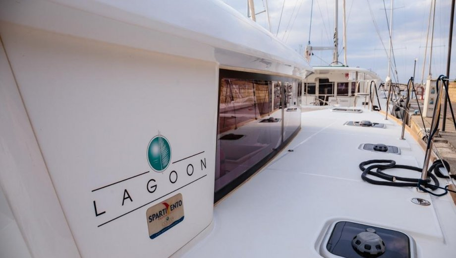 "Lagoon 400 S2 in Capo d'Orlando ""Adorable"""