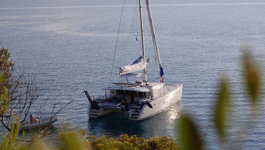 Lagoon 450 in Athen