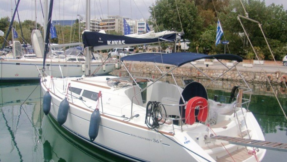 Sun Odyssey 36i in Athen