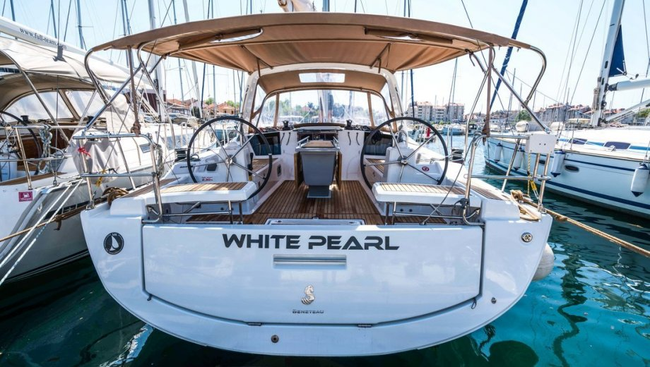 """Océanis 41.1 in Biograd """"White Pearl"""