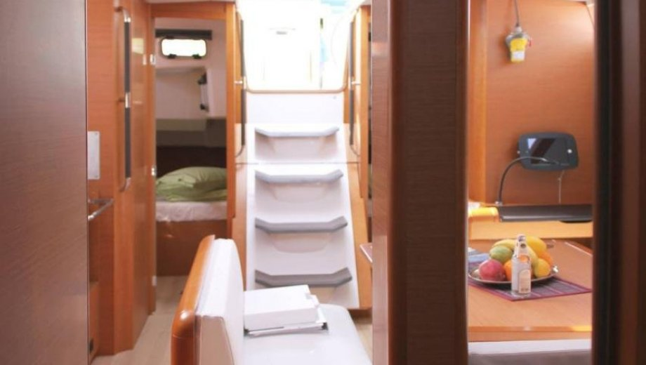 "Sun Odyssey 479 in Lavrion ""Athena"""