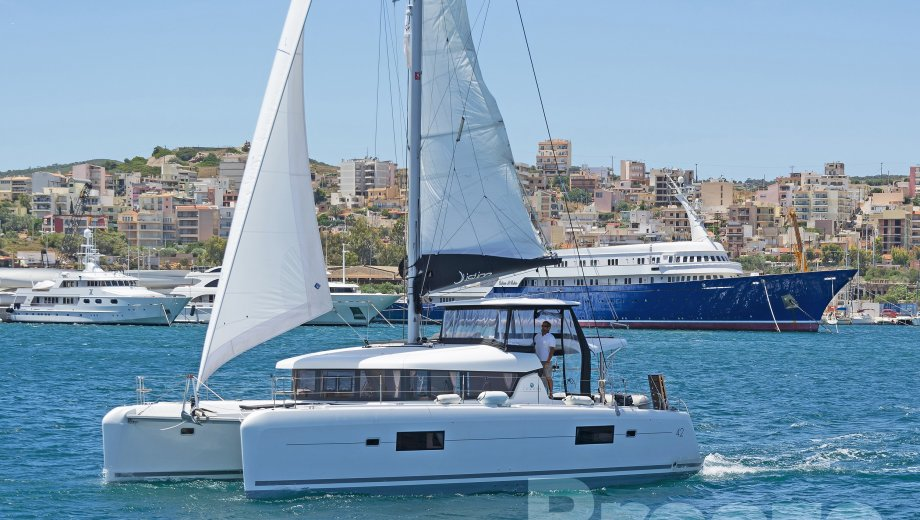 "Lagoon 42 in Lavrion ""BREEZE"""