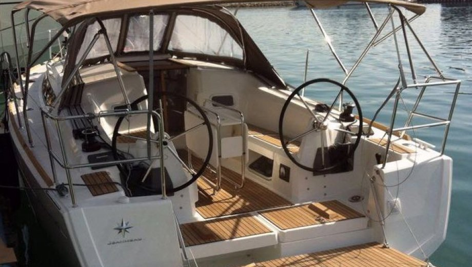 "Sun Odyssey 349 in San Vincenzo ""Bizzarra"""
