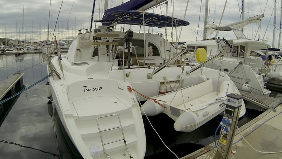 "Lagoon 380 S2 in Šibenik ""Twixie"""