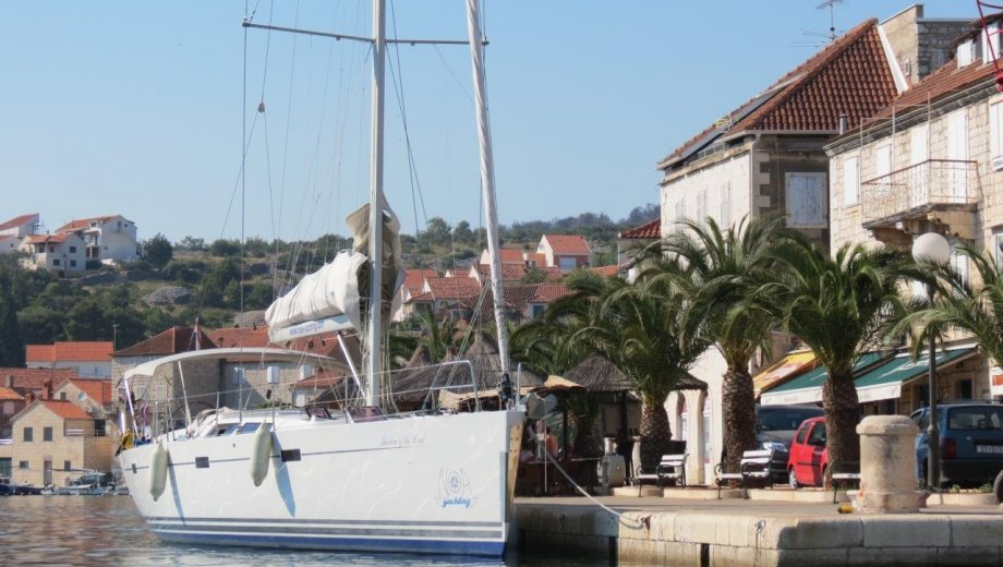 "Hanse 470 in Kaštela ""Shadow of the wind"""