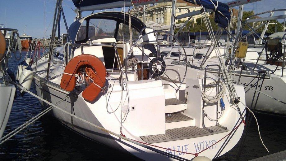 """Elan 333 in Zadar """"Blue WInd"""""""