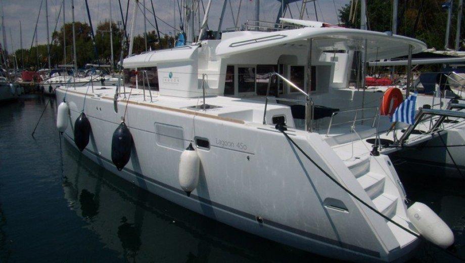 Lagoon 450 in Lefkada