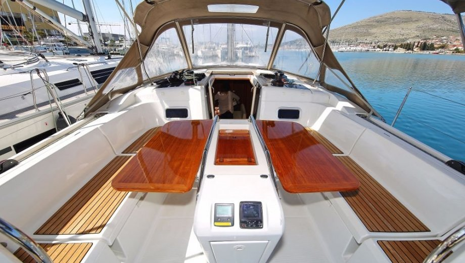 """Sun Odyssey 469 in Trogir """"BAYseeker"""""""