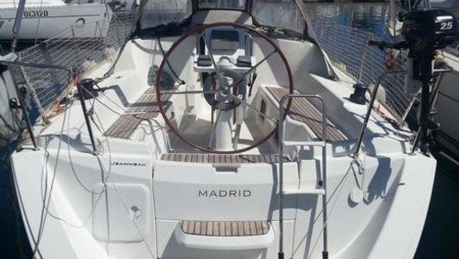 """Sun Odyssey 33i in Portisco """"Madrid"""""""