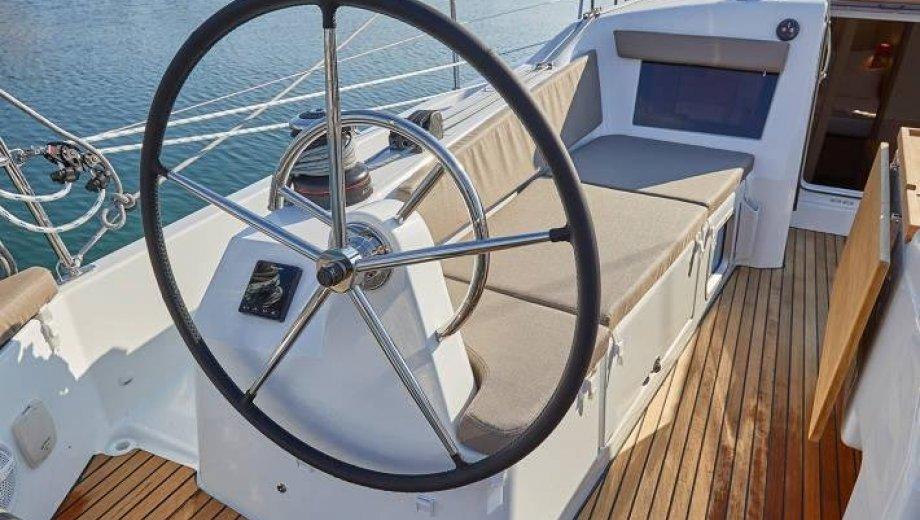 Sun Odyssey 410  Werftfoto
