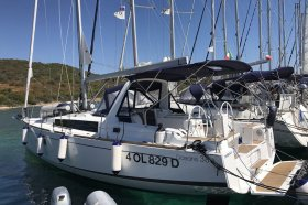 "Oceanis 38.1 in Portisco ""Denebola I"""