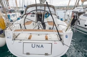 "Dufour 34 E Performance in Primosten ""Una"""