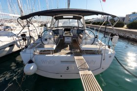 "Océanis 41.1 in Biograd ""White Beauty"""