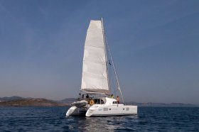 """Lagoon 380 S2 in Lavrion """"Pearl"""""""