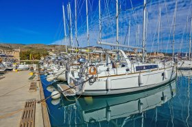 """Sun Odyssey 42i in Lavrion """"Flora"""""""