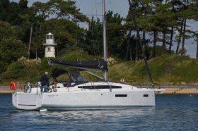 Sun Odyssey 380